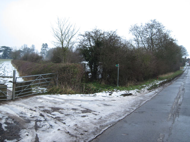 Field entrance from New Road Weedon
