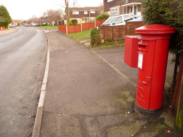 Oakdale: postbox № BH15 58, Dale Valley Road