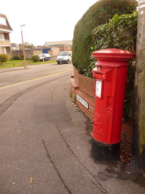 Oakdale: postbox № BH15 222, Johnston Road
