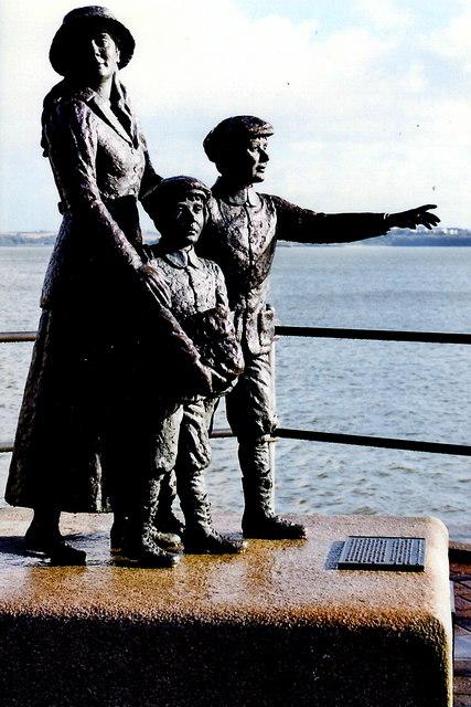 Cobh - Heritage Centre - Statue of Annie Moore
