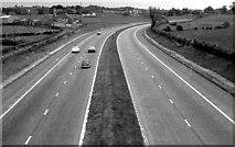 J2965 : The M1 north of Lisburn by Albert Bridge