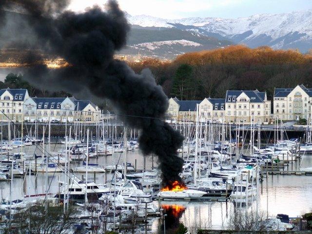 Boat fire at Kip Marina