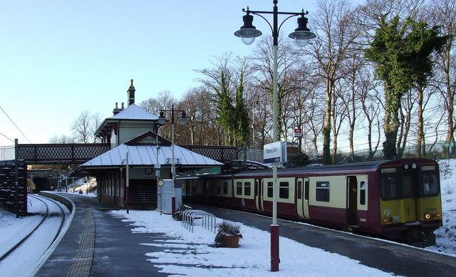 Maxwell Park railway station © Thomas Nugent :: Geograph ...