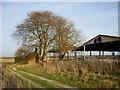SU4980 : Farm buildings on Dennisford Road by Fly