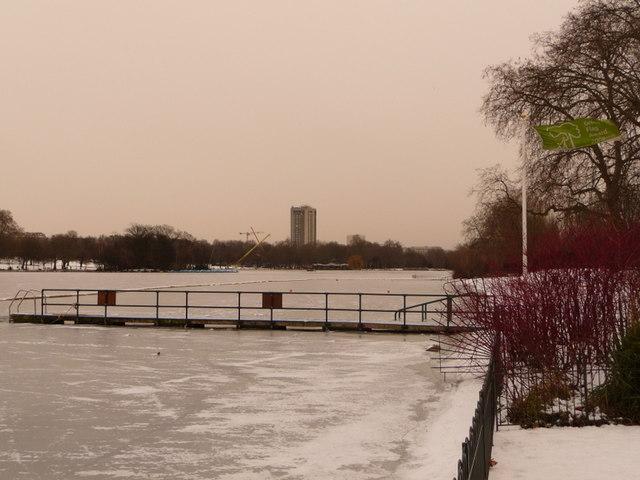 Hyde Park: Green Flag amid a white scene