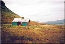 NN5276 : Culra bothy by Richard Law