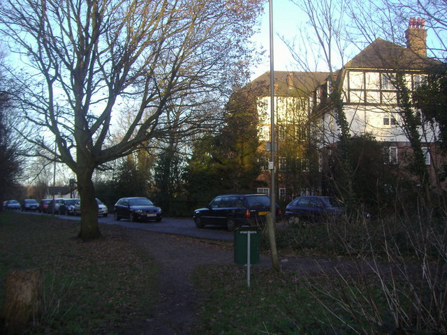 Portsmouth Road Putney Heath
