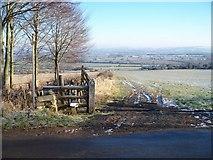 SP1729 : Start of footpath by Michael Dibb