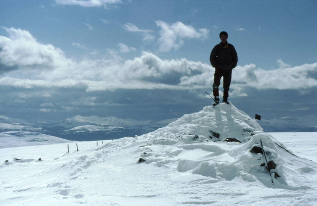 Summit cairn on Beinn Udlamain