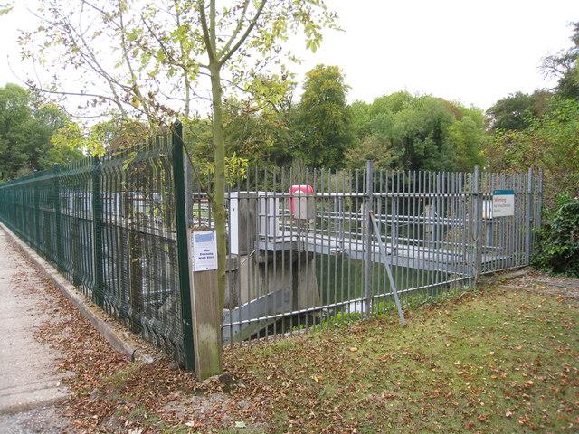 Weir machinery - Mill Eyot