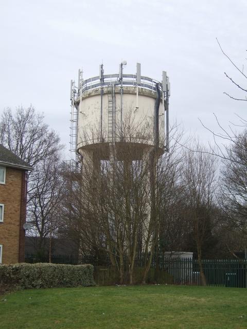 Redundant water tower