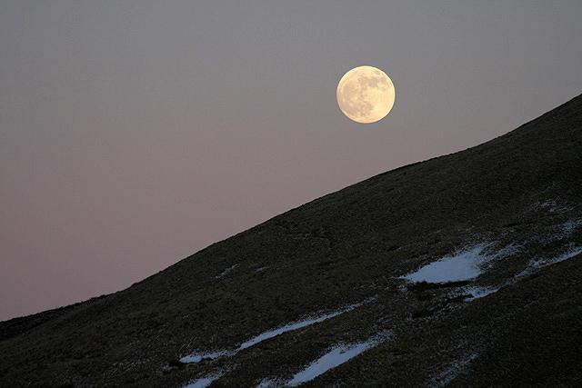 Moonrise over Meikle Shag