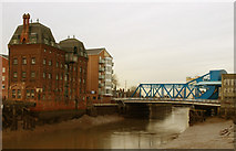 TA1029 : The River Hull and North Bridge by Andy Beecroft