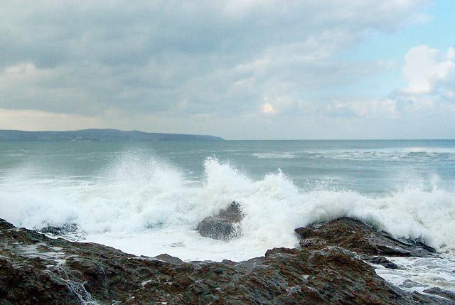 Winter waves at Godrevy (9)