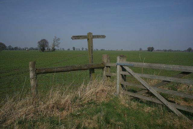 Pingo Trail signpost