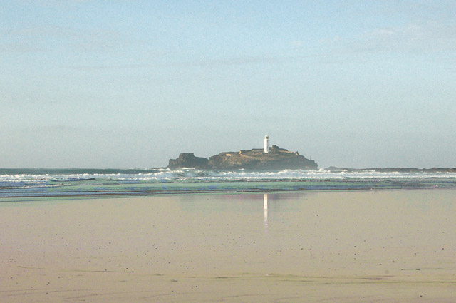 Godrevy lighthouse from the beach at low water (1)