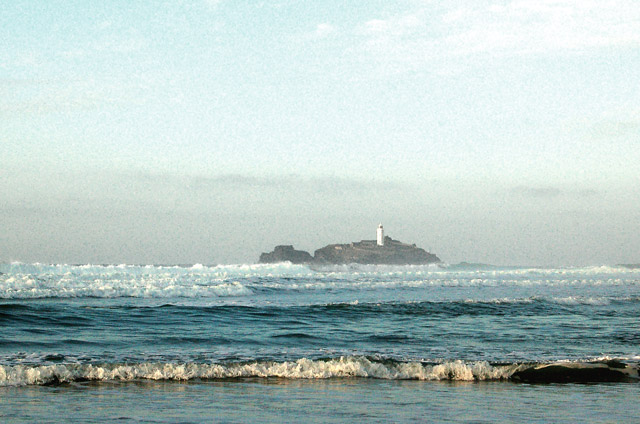 Godrevy lighthouse from the beach at low water (2)