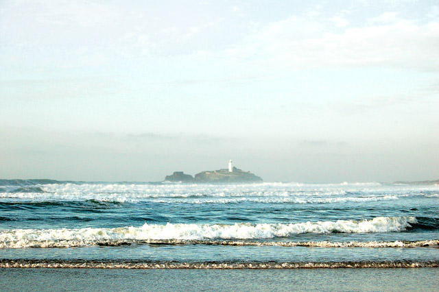 Godrevy lighthouse from the beach at low water (3)