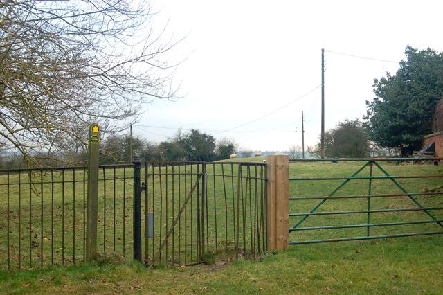 Footpath sign and kissing gate, Flecknoe