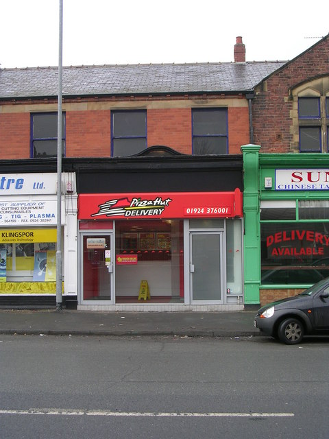 Pizza Hut Delivery Horbury Road Betty Longbottom Cc By