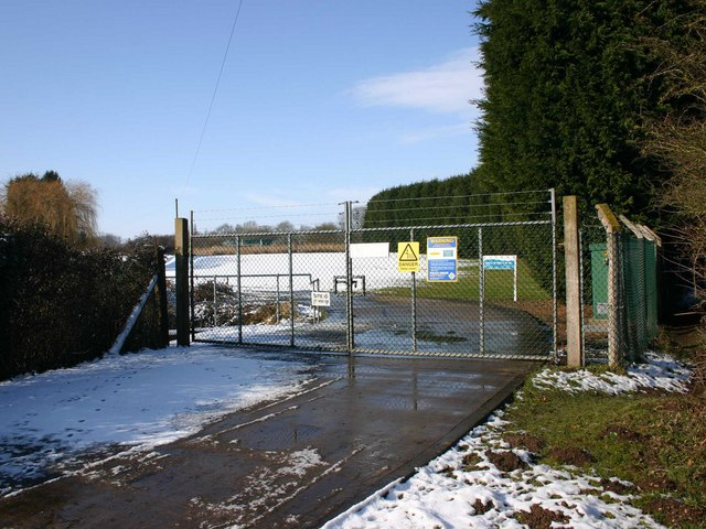 Entrance to sewage works, Snitterfield