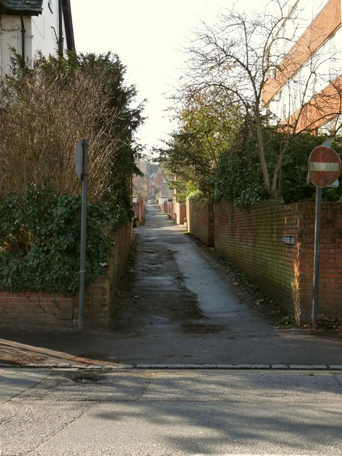 Singers Lane at the junction with Reading Road by Roger A Smith