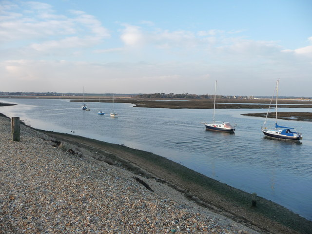 Hurst Spit : Boats in the Bay