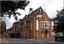 TQ4387 : The King's Centre by John Salmon