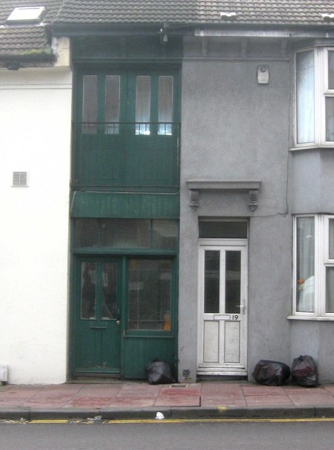 Britain's Narrowest House?