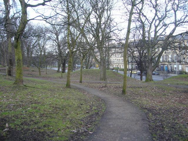Path through London Road Gardens