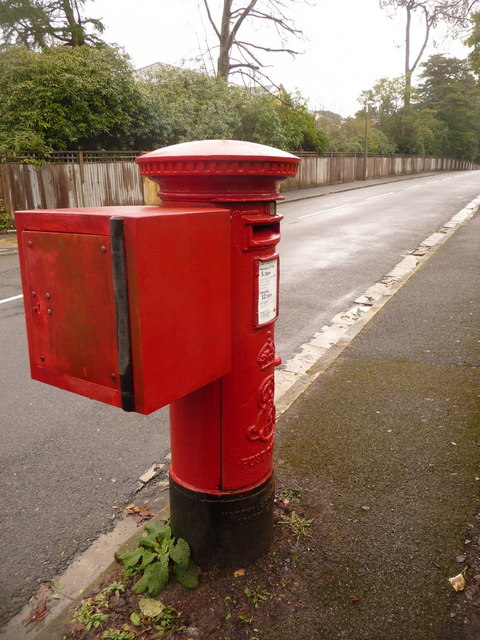 Branksome: postbox № BH13 148, Tower Road West