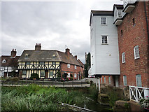 SO8832 : View towards the Abbey from Abbey Mill, Tewkesbury by Chris Gunns