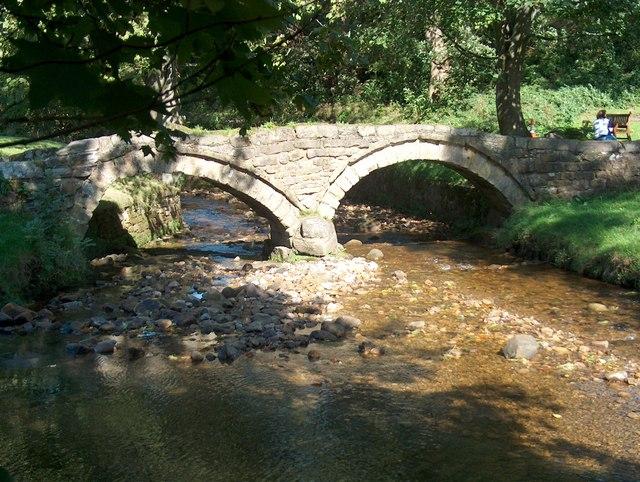 The packhorse bridge over Wycoller Beck