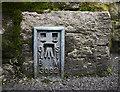 J3270 : Flush Bracket, Belfast by Rossographer