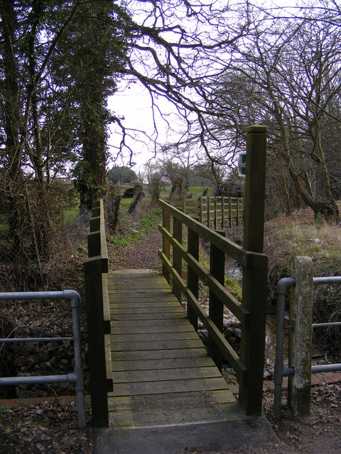 Footbridge of the footpath to Bruisyard Road