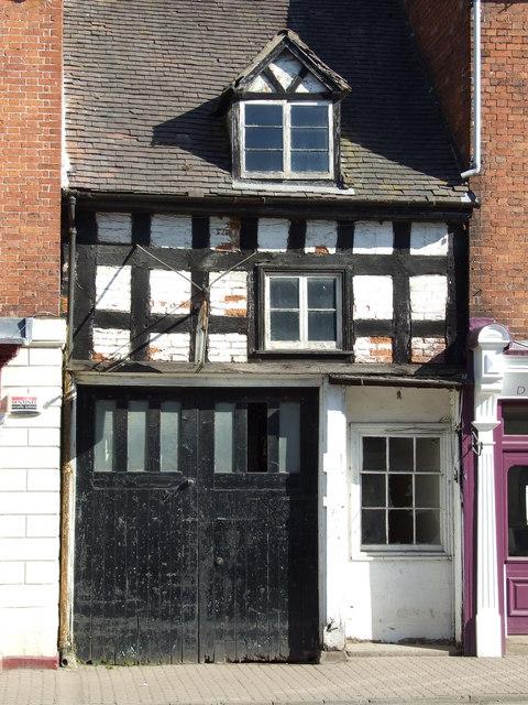 The Old Garage on Teme Street Tenbury Wells