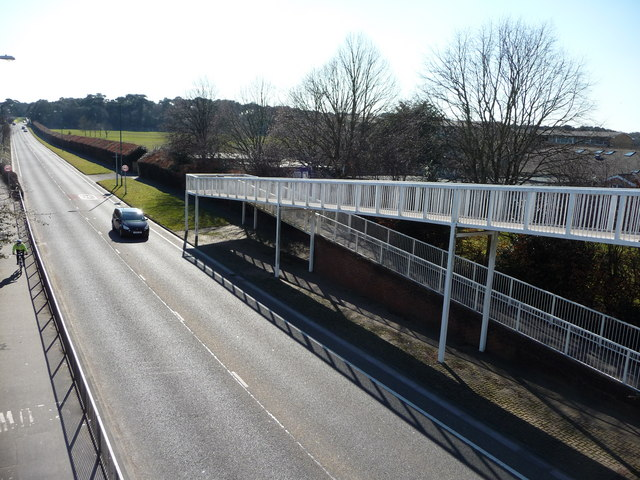 Bournemouth : Boundary Road & Footbridge