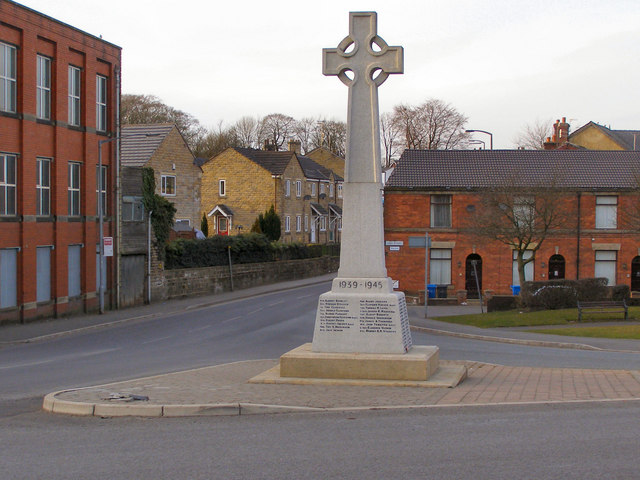 Walshaw Cross War Memorial 169 David Dixon Cc By Sa 2 0