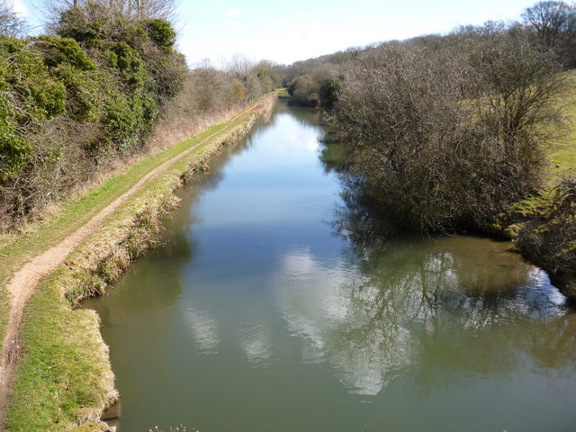 Kennet & Avon canal below Irish Hill on the right