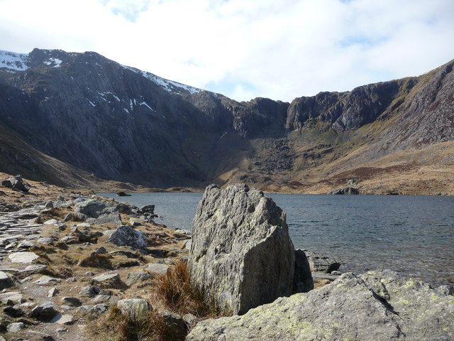 Llyn Idwal and the Devil's Kitchen behind