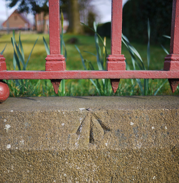Bench Mark, Holywood