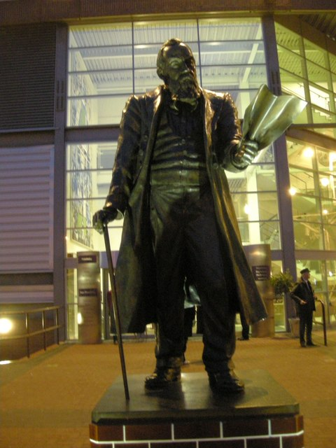 Villa Park-William McGregor Statue