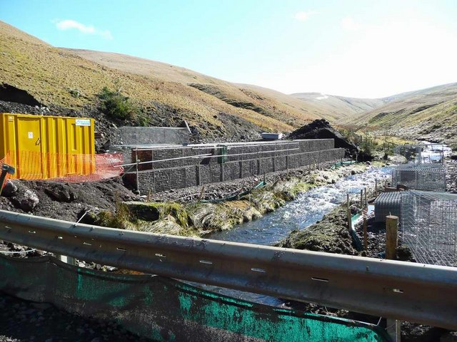 Extensive work at the bridge over the Broich Burn