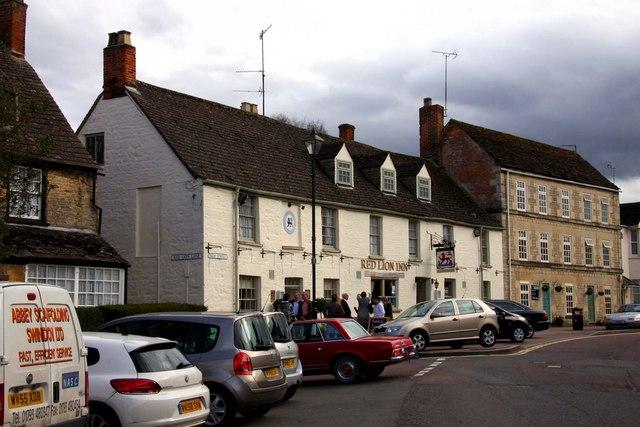 The Red Lion Inn on High Street