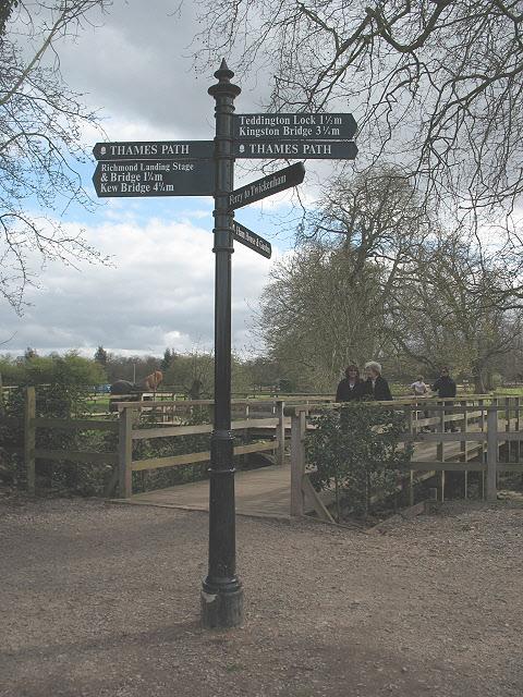 Signpost near Ham House