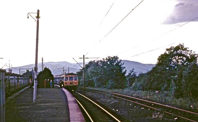 Blue trains at Balloch Pier