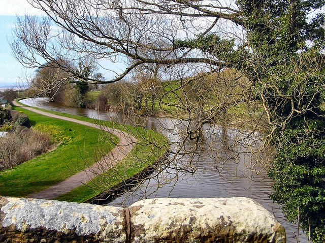 Lancaster Canal from Whin Grove Bridge