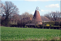 TQ9344 : Malmains Oast, Pluckley, Kent by Oast House Archive