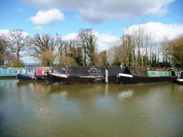 Moorings on the Kennet and Avon canal