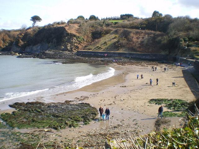 Cwm-yr-Eglwys beach, Easter Sunday